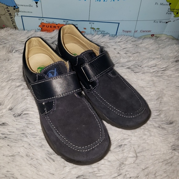Naturino Other - Naturino Navy Leather & Suede Oxford size 33 1